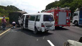國三北上36.7J中和段 5車追撞4人傷