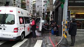台北市信義區1名武漢肺炎居家隔離男子擅自外出到超商購物(翻攝畫面)