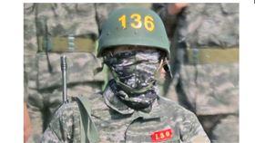 ▲韓國足球球星孫興慜在濟州島當海軍陸戰隊。(圖/截自韓國聯合新聞通訊社)
