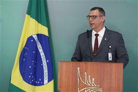 巴西總統府今天表示,發言人巴羅士(圖)新型冠狀病毒檢測呈陽性。(圖取自推特)