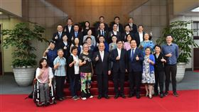 行政院8日召開「行政院性別平等會第21次委員會議」。(圖/行政院提供)