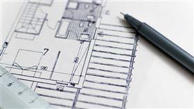 危老條例施行近3年,每年每月平均申請量呈現指數型成長;內政部已受理1019件重建計畫,其中562件核准,131件已申報開工。(示意圖/圖取自Pixabay圖庫)