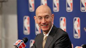 席佛表示,可能在6月決定NBA是否復賽。(圖/翻攝自Adam Silver臉書)  https://www.facebook.com/photo.php?fbid=105870152944279&set=a.105870136277614&type=3&theater