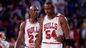 Michael Jordan與Horace Grant。(圖/翻攝自推特)