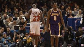 NBA/狂!19歲柯比敢叫馬龍閃邊NBA,Kobe Bryant,Michael Jordan,Karl Malone,全明星賽 翻攝自YouTube ESPN