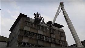 台北,公寓,火警,母子(圖/翻攝畫面)