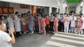 奇美醫院全院同步鼓掌慶國際護師節5月12日是國際護師節,奇美醫學中心號召院內人員在中午12時同步鼓掌,向防疫前線的醫護人員致敬。中央社記者楊思瑞攝  109年5月12日