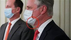 白宮國家安全顧問羅伯特·奧布賴恩(Robert O'Brien)戴著台灣口罩 圖/路透社/達志影像