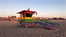 洛杉磯即將開放海灘美國加州洛杉磯郡將在13日開放境內的海灘,在保持距離、陸上戴口罩的情況下,供人游泳、衝浪與跑步與散步。中央社記者林宏翰洛杉磯攝  109年5月13日