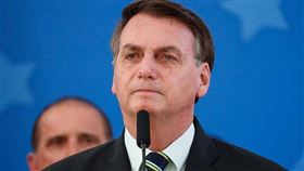 12日巴西衛生部更新疫情報告,過去24小時巴西再創單日死亡數新高,鄰國對巴西總統波索納洛(圖)有所批評。(圖取自facebook.com/jairmessias.bolsonaro)