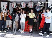 黃瀞怡(小薰)、張書豪、李霈瑜(大霈)、林柏宏、陳昊森出席「大債時代」開鏡儀式。(記者邱榮吉/攝影)