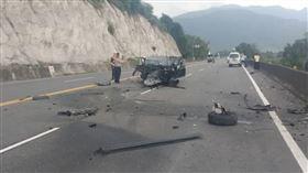 車禍,台東,自撞,電線杆(翻攝畫面)