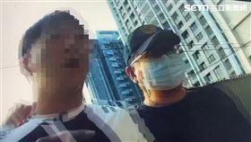 萬華分局前往板橋逮獲曾姓販毒夫妻檔。(圖/翻攝畫面)