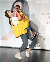 Shennio Lin林芯儀發行暖心單曲,關懷心納家庭號召民眾投入志願服務行列。(記者邱榮吉/攝影)