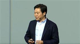 小米創辦人 雷軍 iPhone X 翻攝影片