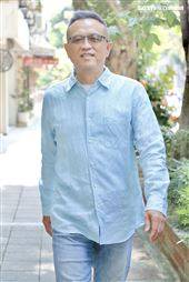 豬哥亮長子謝順福及愛女謝金晶接受三立新聞網專訪。(圖/記者林聖凱攝影)