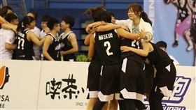 ▲台電拿下相隔1170個日子來的首勝,終結隊史跨季40連敗。(圖/中華民國籃球協會提供)
