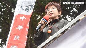 反年改抗議民眾聚集立法院外圍青島東路靜坐抗議,前國民黨主席洪秀柱二度前往探視。 圖/記者林敬旻攝