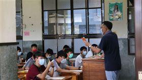109國中教育會考,師大附中考場,防疫 圖/教育部提供