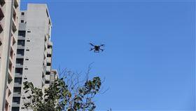 遠傳首創高空無人機 優化5G網路遠傳電信宣布完成「三維空間網路優化」的概念性驗證(POC),未來建置5G基站,將搭配無人機優化訊號品質。中央社記者江明晏攝 109年5月18日