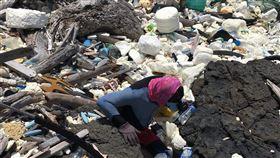 海洋公民基金會公布澎湖第一季海廢垃圾量(2)海洋公民基金會18日發表第一季澎湖海岸垃圾調查結果,全澎湖50%的垃圾集中在10%海岸沙灘線上。(海洋公民基金會提供)中央社 109年5月18日