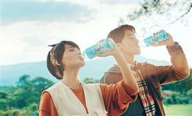 全新「黑松FIN乳酸菌補給飲料」更搶先添加日本好侍食品集團(ハウス食品グループ)L-137植物乳酸菌。(圖/廠商提供)