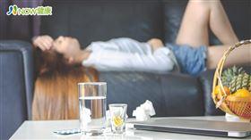 名家專用/NOW健康/眩暈的感受是天旋地轉,急性發作期會失去平衡,容易導致意外發生。(勿用)