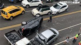 台中賓士車酒駕5車連環撞/翻攝畫面