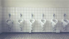 經濟部水利署20日新增「沖水小便器」金級省水標章,預估每年將可節省水量約100萬噸。(圖取自Pixabay圖庫)