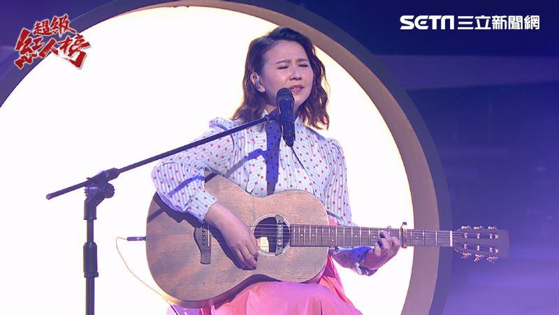 林喬安自彈自唱 學吉他是因學長太帥