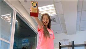 李燕特地前往新北市消防局、泰山消防分隊進行物資捐贈,她也因此舉獲邀成為「義消顧問」。臉書
