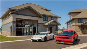 ▲Brainerd國際賽道車庫豪宅。(圖/翻攝Motor1網站)