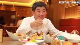 陳時中屏東福華飯店吃早餐。(圖/疾管署提供)