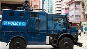 新/香港衝突升溫!「銳武裝甲車、水砲車」驚現街頭 速龍小隊進駐(圖/立場新聞)