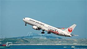 日航,飛機,座位,嬰兒。(圖/翻攝自JAPAN AIRLINES (JAL)臉書)