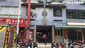 台北市傳出2冷氣工人墜樓意外。(圖/翻攝畫面)