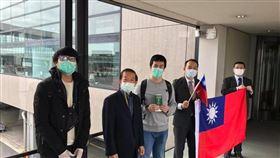 部分國人滯留於俄羅斯返台在日本轉機,謝長廷臉出發文