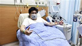 骨髓驗血建檔17年 終償捐髓救人宿願小羽(化名)因叔叔罹患血癌接受骨髓移植重生,他也希望成為捐贈者,17年前參與慈濟的骨髓驗血建檔活動,近日終於一償宿願,希望受捐的白血病患者早日恢復健康。(大林慈濟醫院提供)中央社記者蔡智明傳真 109年5月27日