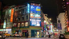 韓國瑜,罷免,罷韓,看板,公民割草,李醫師,台北車站,北車