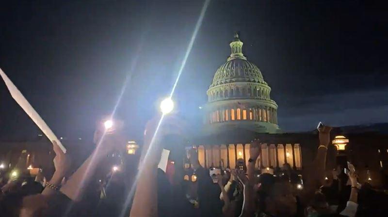 警民白宮外火爆對峙 現場竟聞中國口音急喊「走!快走!」