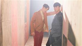 蕭敬騰、林俊傑推出全新單曲《Hello》。(圖/華納音樂提供)