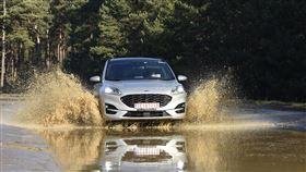 ▲The All-New Ford Kuga在Lommel車輛研究測試中心測試。(圖/HYUNDAI提供)