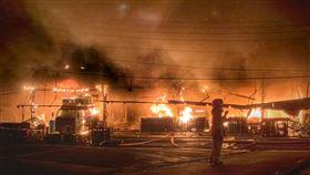 台中,舊建國市場,火警,攤商(圖/翻攝畫面)