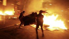 (圖/翻攝自推特@James Woods)美國,非裔男,暴動