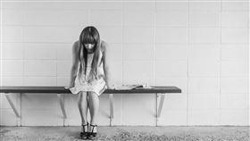 女生 憂鬱