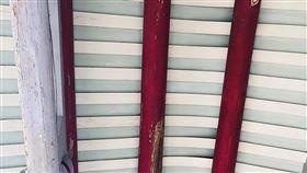 雲林許宅黃金蝙蝠繁殖盛況已不復見雲林縣水林鄉海埔村許宅屋梁曾是台灣最大的金黃鼠耳蝠(俗稱黃金蝙蝠)繁殖育幼地點,但多年來數目持續下降,黃金蝙蝠生態館館長張恒嘉表示,今年曾經觀察到2隻,不過目前沒半隻。(張恒嘉提供)中央社記者蔡智明傳真 109年6月1日