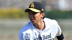 ▲日本職棒軟銀鷹投手東浜巨。(圖/翻攝自推特)