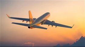 全球航空產業6月有回溫跡象。(圖/翻攝自OAG網站)
