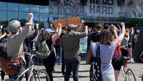 最新/「黑人的命也是命」憂抗議加劇 紐約警戒今實施宵禁 記者翁琬柔攝影