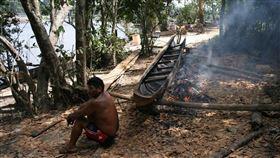 巴西亞諾馬米族群是亞馬遜地區受武漢肺炎威脅最嚴重的原住民族群。亞諾馬米和葉卡瓦納部落已有55例確診。圖為葉卡瓦納部落。(圖取自維基共享資源,作者:Luisovalles,CC BY-SA 3.0)
